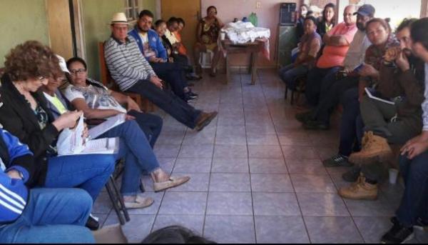 Reunião na casa da guardião Noêmia Mendes, em Pauliceia, reúne cerca de quarenta membros  do grupo          Sementes Crioulas (Foto: Acervo Pessoal).