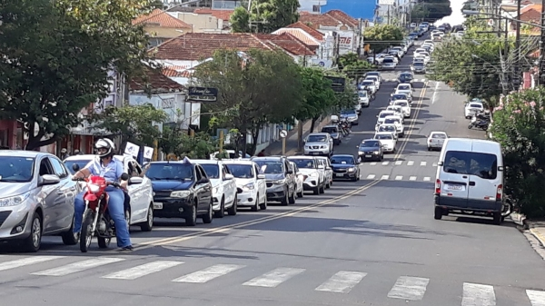 Carreata na Avenida Rio Branco, nesta sexta-feira, em protesto ao governador Dória (Divulgação/CPP).