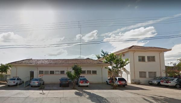 Detento que aguardava vaga no sistema prisional é encontrado morto na cadeia de Adamantina (Foto: Google Street View).