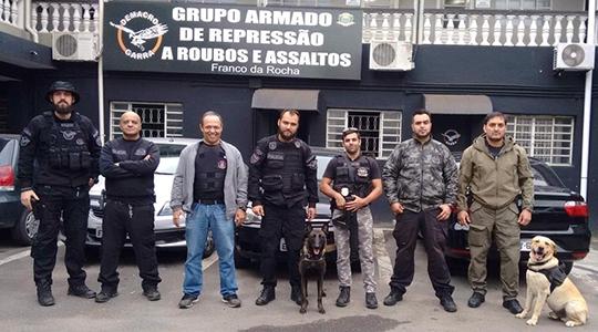 Integrantes do GOE da Polícia Civil de Adamantina visitam unidade do GARRA em São Paulo, que mantém grupo de operações com cães (Fotos: Cedidas/Polícia Civil).