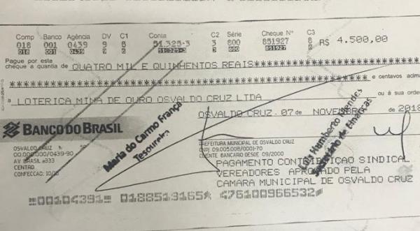 Um dos seis cheques falsos emitidos em nome da Prefeitura de Osvaldo Cruz (Reprodução/Site OCNET).