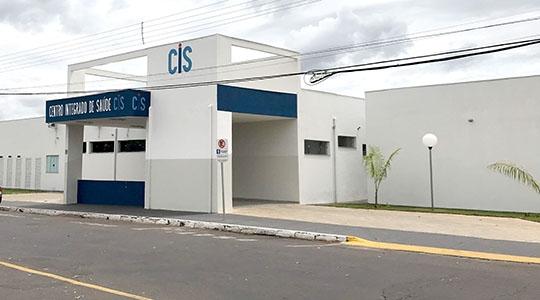 CIS funciona de segunda a sexta, das 7h às 17h. Pacientes devem buscar as unidades básicas de saúde, que farão os encaminhamentos (Fotos: Siga Mais).