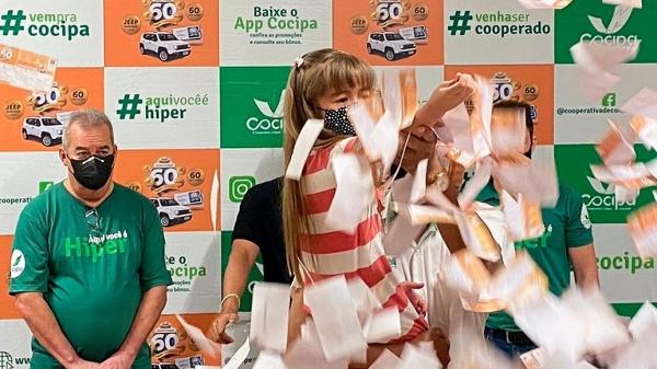 Segundo sorteio da campanha Hiper Cliente Feliz Cocipa foi realizado neste sábado, 9 de outubro (Divulgação/Cocipa).