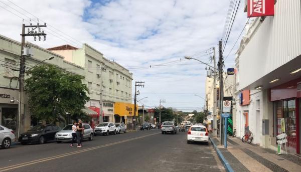 Comércio, serviços e salões de beleza e barbearia, em Adamantina, podem funcionar de segunda a sexta-feira das 8h às 18h (Arquivo/Siga Mais).