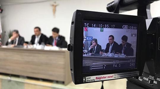 Vereador Eder Ruete, presidente da Câmara Municipal, pede informações sobre despesas com viagens de prefeito e secretários (Foto: Siga Mais).