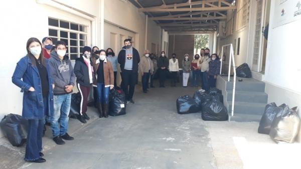 Fundo Social de Solidariedade entregou 355 cobertores para serem repassados para as famílias atendidas por 13 entidades assistenciais do município (Da Assessoria).