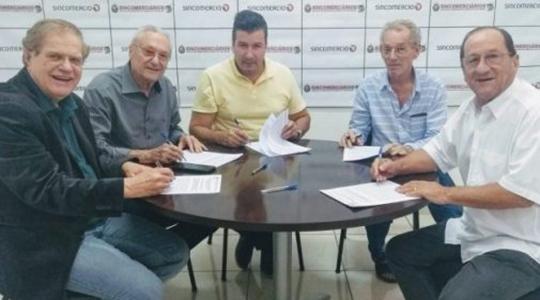 Convenção Coletiva de Trabalho foi assinada na última semana entre o Sincomercio Nova Alta Paulista -  Sindicato Patronal do Comércio Varejista - e o Sincomerciários - Sindicato dos Empregados no Comércio de Tupã e Região (Da Assessoria).
