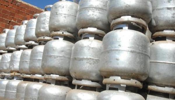 Preços mais altos do botijão de gás começam a vigorar à 0h desta terça-feira (Foto: Arquivo/Agência Brasil).