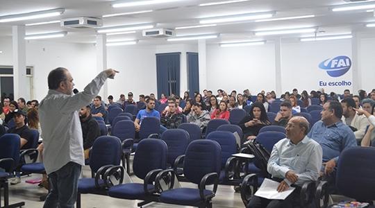Abertura do Empreenda contou com duas palestras sobre empreendedorismo e inovação (Fotos: Priscila Caldeira).