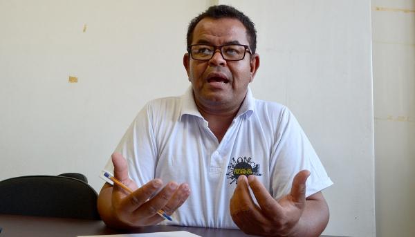 O funcionário público Roberto Honório de Oliveira (Robertinho da Dengue) coordena o Grupo de Apoio à Adoção (Arquivo/Siga Mais).