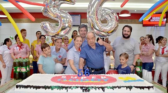 Celebração dos 56 anos do Supermercado Godoy, nesta quarta-feira (Fotos: Siga Mais).