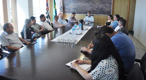 Foi realizada uma reunião no gabinete do prefeito Márcio Cardim com a imprensa e demais segmentos da sociedade com o objetivo de apresentar as ações de combate à dengue (Assessoria de Imprensa).
