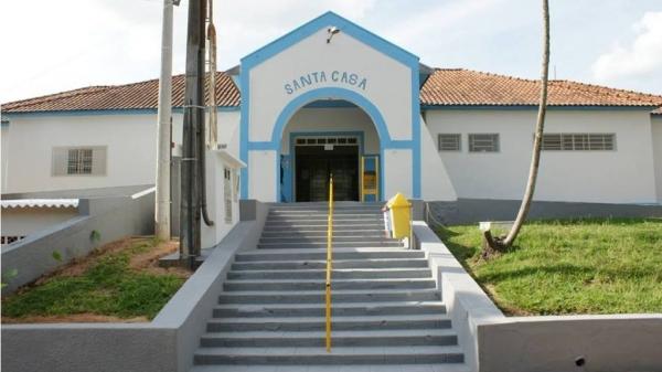 Atendimentos hospitalares foram encerrados pela Santa Casa de Pacaembu. Prefeitura da cidade assumiu o funcionamento do pronto-socorro, que continua sendo realizado no mesmo espaço (Foto: reprodução/O Pacaembuense).