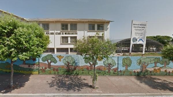 Escola Municipal Professora Adelaide César de Moura Bastos, em Martinópolis, alvo da decisão judicial (Google Street View) .