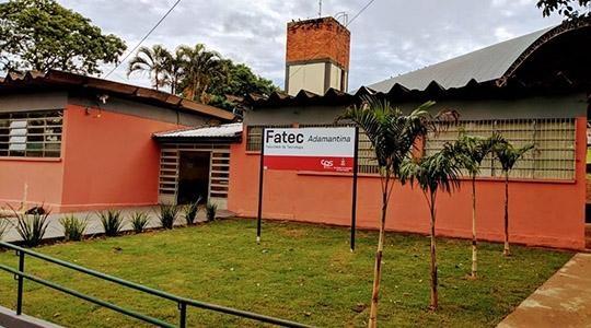 A Fatec Adamantina fica na Rua Paraná, 400 (antigo Cefam), no Jardim Brasil (Divulgação).