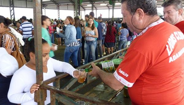 Centenas de pessoas participam todos os anos da tradicional Festa do Guaraná em Adamantina (Foto: Assessoria de Imprensa/ Lions Clube de Adamantina).