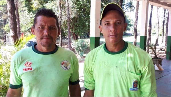 Maicon e Juliano encontraram um pacote com R$ 70 mil (Reprodução/Tupacity).