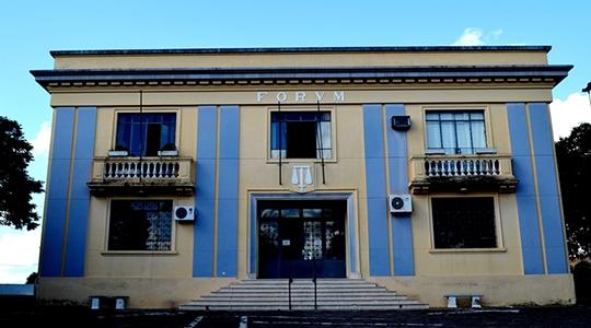 Fórum da Comarca de Lucélia (Arquivo/Siga Mais).