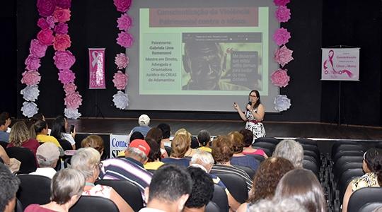 Orientadora jurídica do Centro de Referência Especializado de Assistência Social (Creas), Gabriela Lima Ramenzoni, tratou sobre violência patrimonial (Da Assessoria).