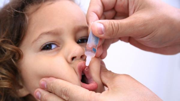 Em Adamantina, a vacinação acontece na ESF Nove de Julho; ESF Vila Jardim; ESF Jardim Adamantina; ESF Cecap; ESF Dorigo; ESF Jardim Brasil; ESF Mario Covas; ESF Vila Cicma das 8h às 16h30 (Foto: Breno Esaki-Agência Saúde/DF).
