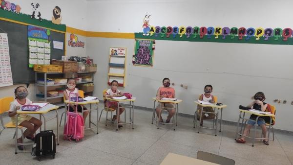 Secretaria de Educação de Adamantina adquiriu 400 jogos de carteiras e cadeiras para as EMEI Ciclo II Eulália Paschoal Brighenti, Eunice Maris e Domingos Latine (Da Assessoria).