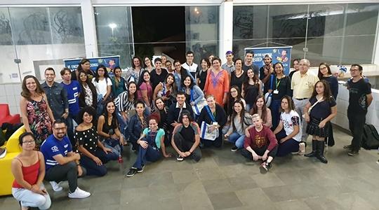 Membros participantes da última noite do evento (Da Assessoria).