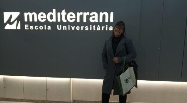 A estudante Paula Francisco Escalianti, da Fatec Adamantina, participa de intercâmbio internacional na Escola Universitaria Mediterrani, na Espanha (Divulgação).