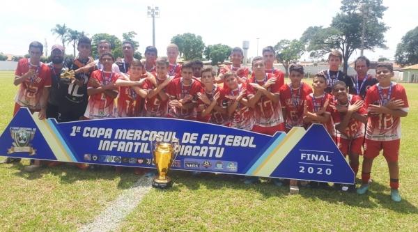 Na categoria sub-15, a equipe adamantinense foi campeão (Divulgação).