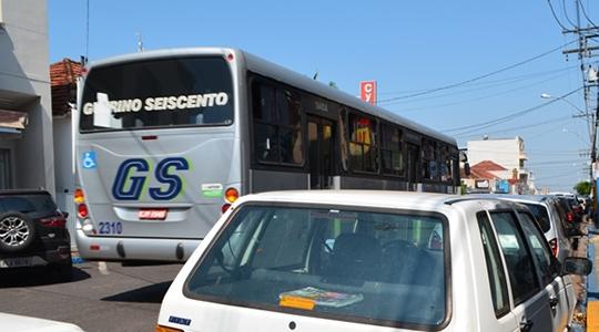 Transporte coletivo urbano é alvo de questionamentos. Em Requerimento, vereadores cobram informações da Prefeitura (Arquivo).