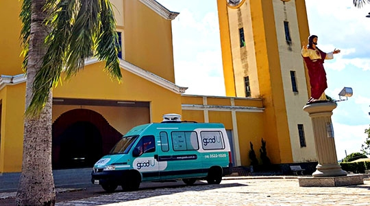 Equipe de vendas da goodU já atua em Flórida Paulista (Foto: João Vitor Soares).