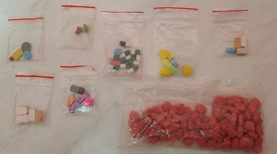 Drogas como maconha, MDMA e LSD eram comercializadas em rede social, aproximando vendedores e compradores. Ação da Polícia Federal tenta desarticular grupo (Foto: PF).