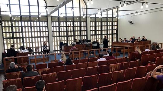 Sessão do Tribunal do Júri, de julgamento do caso, foi realizada nesta quinta-feira, no Fórum da Comarca de Adamantina (Foto: Siga Mais).