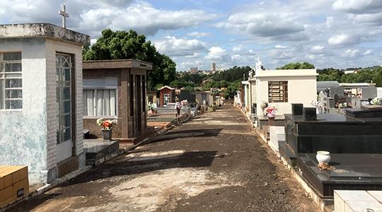 Cemitério de Adamantina deve receber grande visitação neste Dia de Finados e durante todo o fim de semana (Foto: Siga Mais).