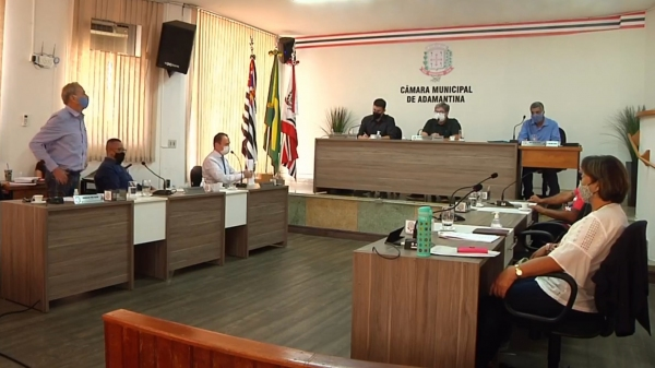 Vereador Aguinaldo Galvão votou contra a retirada do projeto de lei (Reprodução).