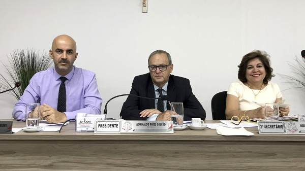 Vereador Aguinaldo Galvão, vice-presidente do Legislativo local, presidiu a sessão (Foto: Da Assessoria).