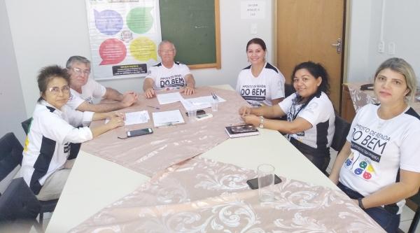 Representantes da Secretaria de Assistência Social, Conselho Municipal do Idoso e Lar dos Velhos estiveram reunidos na tarde desta quinta-feira, 6 (Foto: Assessoria de Imprensa/IR do Bem).