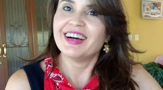 A professora dracenense Irmes Mary Moreno Roque Mattara assume o comando da Diretoria Regional de Ensino de Adamantina (Reprodução/Facebook).