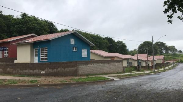 Conjunto Murilo Jaccoud, ao lado do Parque Itamarti, em Adamantina, apresenta problemas após chuvas deste mês (Foto: Siga Mais).