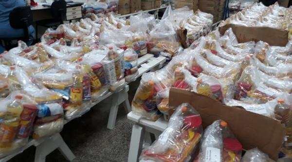 Secretaria de Educação de Adamantina realizou a entrega de 500 kits de alimentação escolar (Da Assessoria).