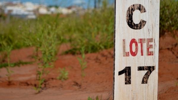 Uma das propostas na revisão do Plano Diretor prevê a redução da medida mínima dos terrenos para núcleos habitacionais de baixa renda, de 200 m² para 160 m² (Arquivo/Siga Mais).