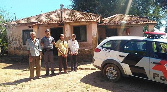 Polícia Militar faz aproximação com comunidades rurais, em Mariápolis. Atualmente são 167 propriedades cadastradas, inclusive com os registros de coordenadas geográficas (longitude e latitude), para facilitar atendimentos (Imagens: Divulgação/PM).