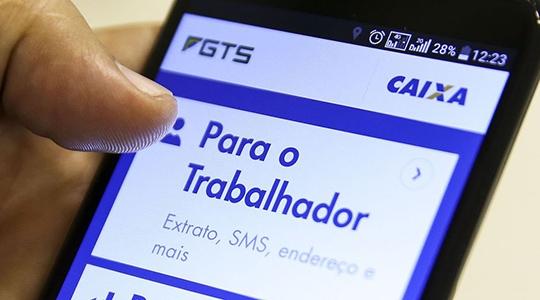 Trabalhadores com conta no FGTS terão direito a sacar o valor de até R$ 500  (Foto: Marcelo Camargo/Agência Brasil).