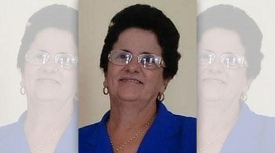 A idosa Célia Chicoli, de 66 anos, sofreu descarga elétrica ao manusear cabo energizado (Reprodução).