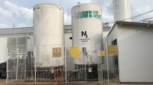 Estrutura de armazenamento e distribuição de oxigênio, na Santa Casa de Adamantina (Foto: Siga Mais).