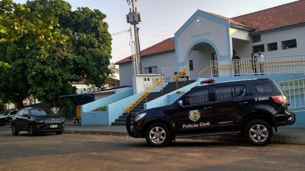 Buscas são realizadas na Santa Casa de Pacaembu (Divulgação/Polícia Civil).