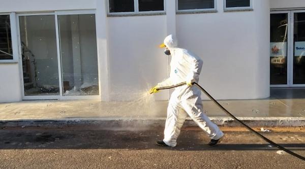Pulverização, para desinfeção, já acontece em Pompeia. Adamantina vai iniciar esses serviços nesta quinta-feira (26), a partir das 5h da manhã (Divulgação/Pompeia).