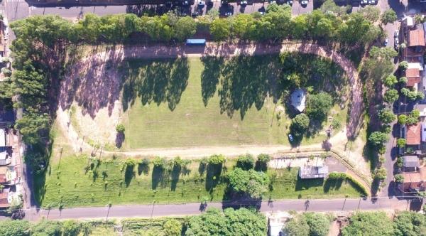 Praça esportiva Waldemar Romanini, no Jardim Adamantina: obras já foram licitadas e devem ser iniciadas no final de maio (Divulgação/PMA).