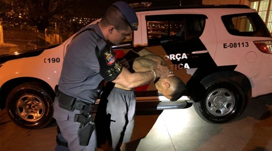Jorge Marcelo Barreto, de 32 anos, acusado de matar sua companheira Mara Jaqueline Flor dos Santos, 29 anos. (Foto: Cristiano Nascimento/Portal Metrópole)