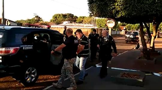 Uma das prisões, feita nesta quinta-feira (1), durante a operação Dedo Podre (Imagem: Cedida/Polícia Civil).