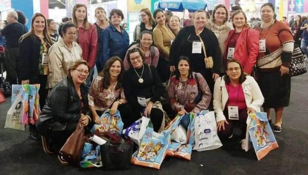 Professores e gestores das escolas municipais de Adamantina na 25ª Bienal Internacional do Livro na capital paulista (Foto: Da Assessoria).